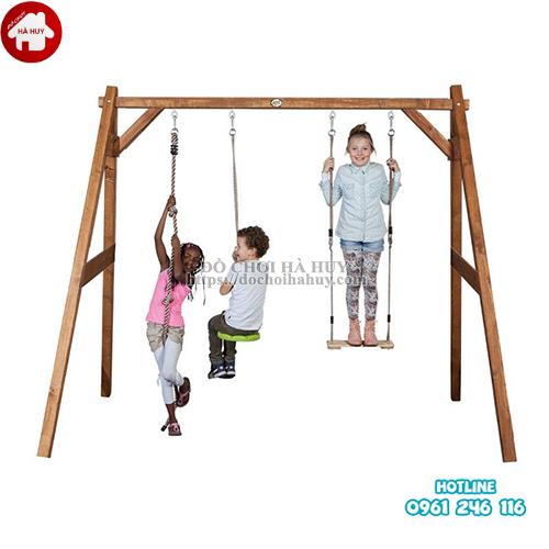Xích đu 3 chỗ bằng gỗ cho bé mầm non VDG-003-3