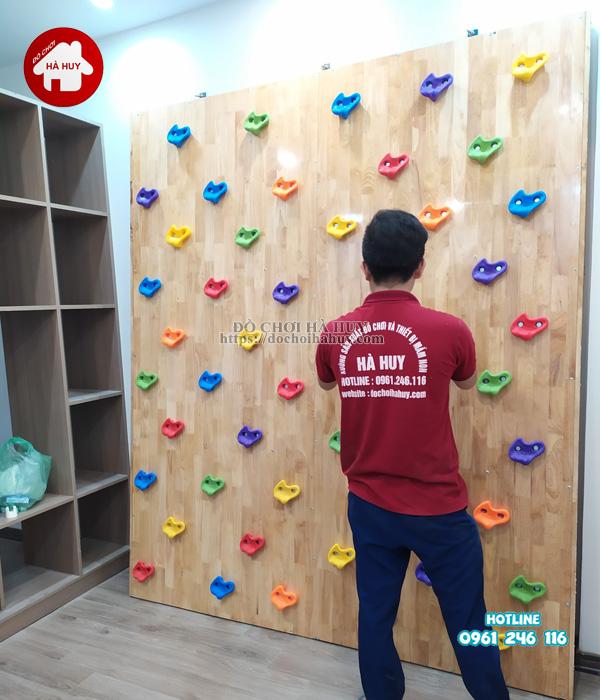 Sản xuất lắp đặt vách leo núi cho bé bằng gỗ cho khách tại Hà Nội-3