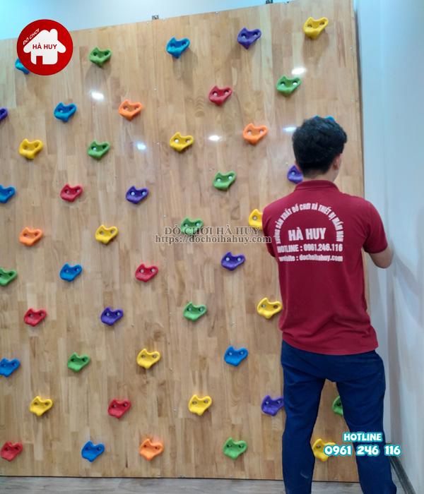 Sản xuất lắp đặt vách leo núi cho bé bằng gỗ cho khách tại Hà Nội-5